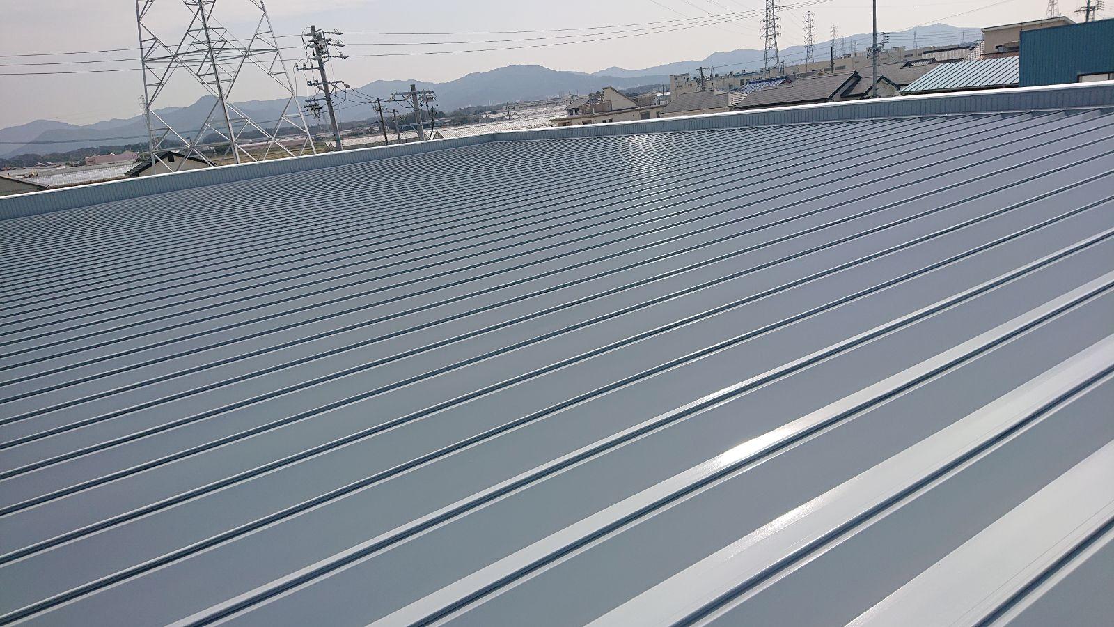 屋根上塗り施工後
