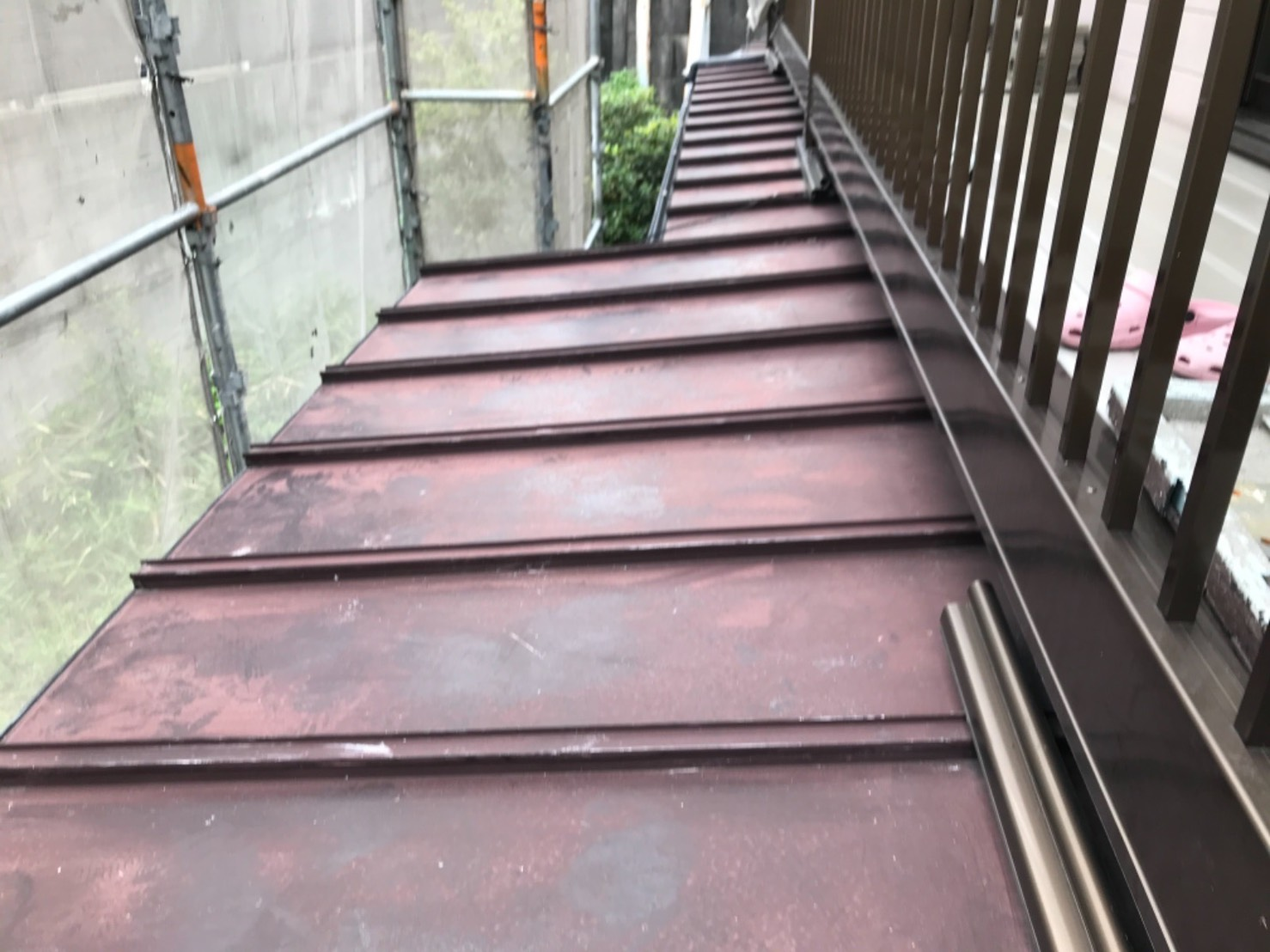 名古屋市昭和区のお客様宅にて瓦棒屋根塗装を行いました。
